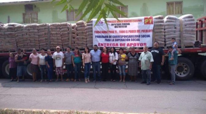 Resultado del convenio firmado con Mariana Trinitaria, el Diputado Federal Paco Huacus ha entregad 3 mil 300 toneladas de cemento en 50 municipios del estado