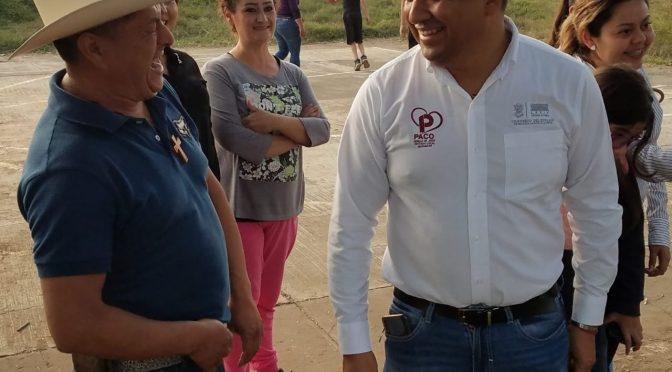 Paco Cedillo expone a bajo precios material de construcción a los vecinos de la colonia RíoVolga